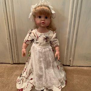 Other - Colonial doll